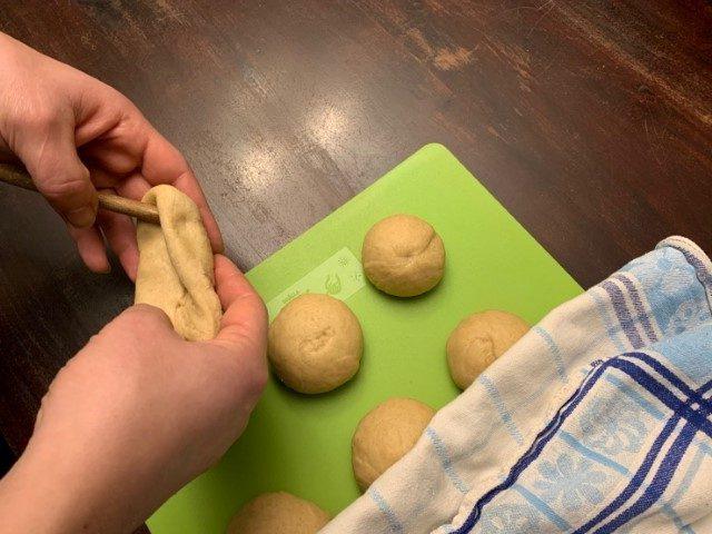 Knüppelkuchen Rezept - Um den Stock wickeln 3